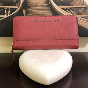 Marc Jacobs Branded Saffiano Continental Wallet